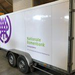 Nationale bomen bank belettering aanhanger