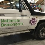 Nationale bomen bank belettering toyota